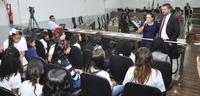 Alunos da Escola Betesda Primavera visitam Câmara Municipal