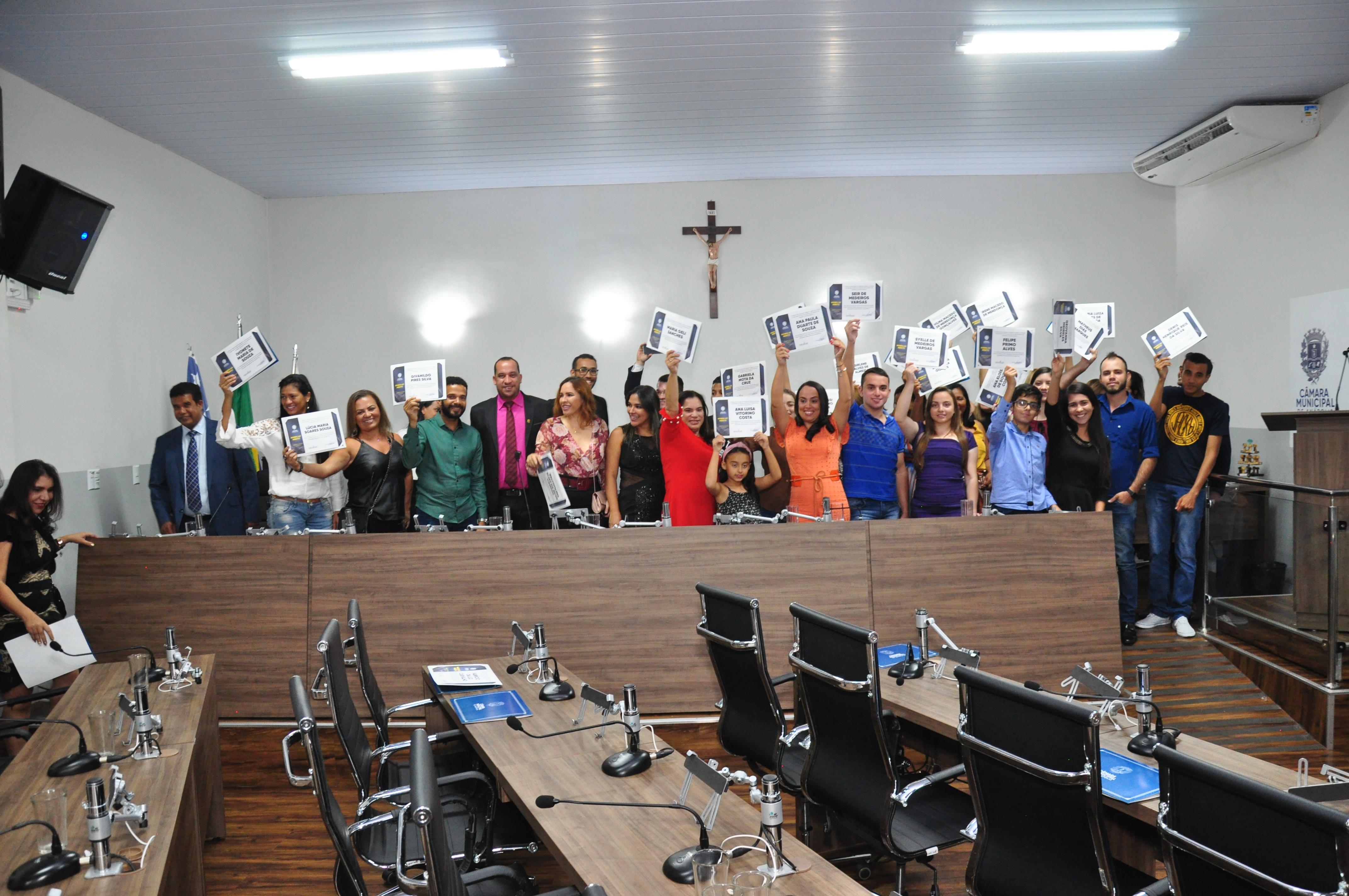 Aniversário de 25 anos da Escola Municipal Cora Coralina é celebrado pela Câmara Municipal