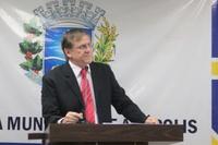 Antônio Gomide demonstra preocupação em relação às obras públicas em andamento