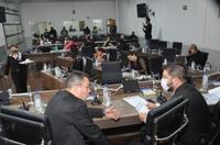 Aprovado projeto que reestrutura funções, reduz cargos em comissão e valoriza concursados