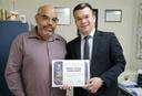 Café com Pastor: Teles Júnior confere certificado de Honra ao Mérito ao pastor Israel Cavalcante