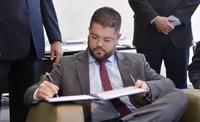 Câmara assina protocolo de intenções para implementação de canal de TV aberta