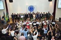 Câmara entrega Comenda Nadyr de Souza Andrade a professores anapolinos