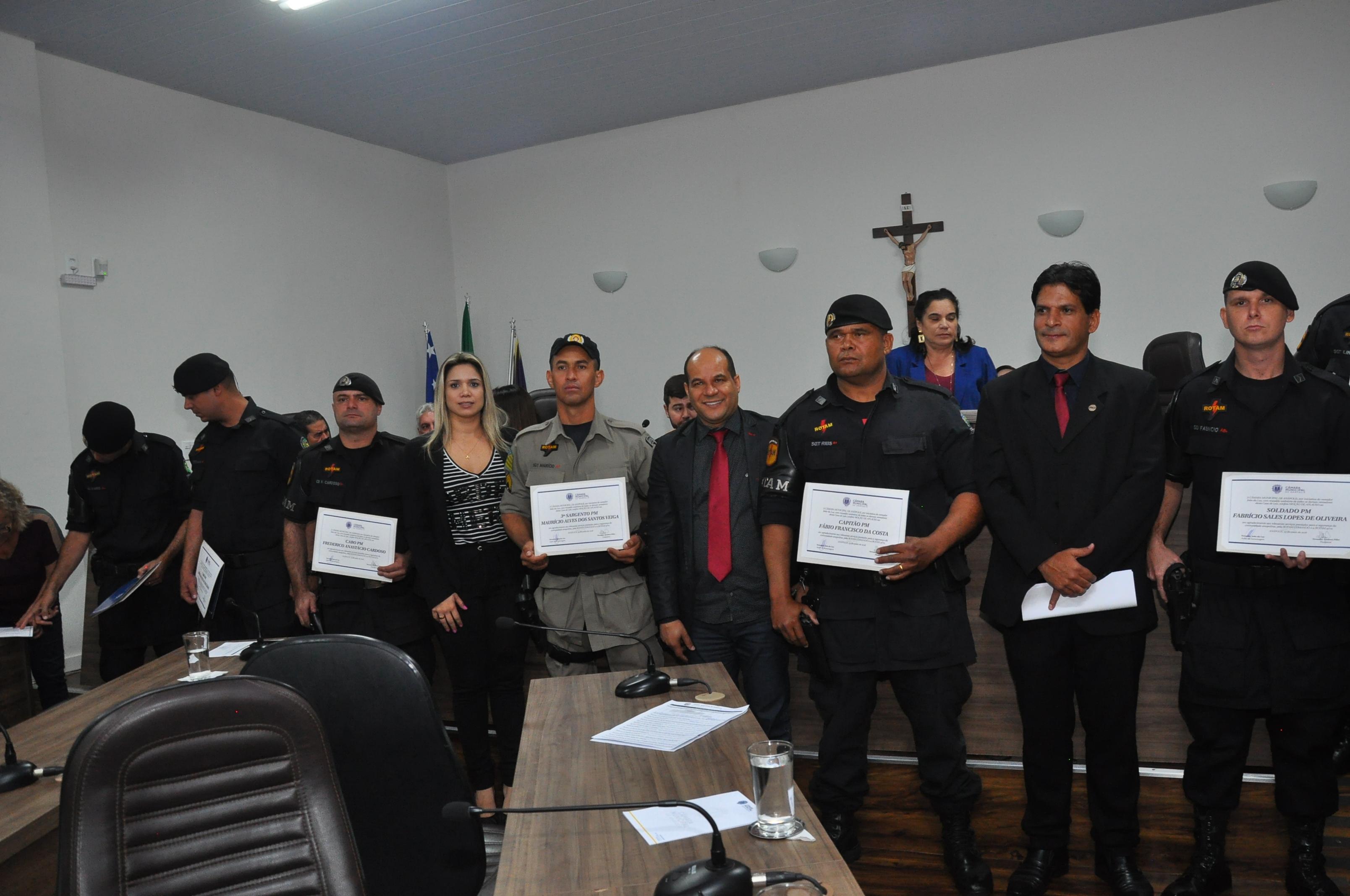 Câmara entrega Moção de Aplauso a policiais militares da Rotam