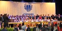 Câmara homenageia mulheres com Medalha Dulce de Faria; cerimônia teve presença da primeira-dama do Estado