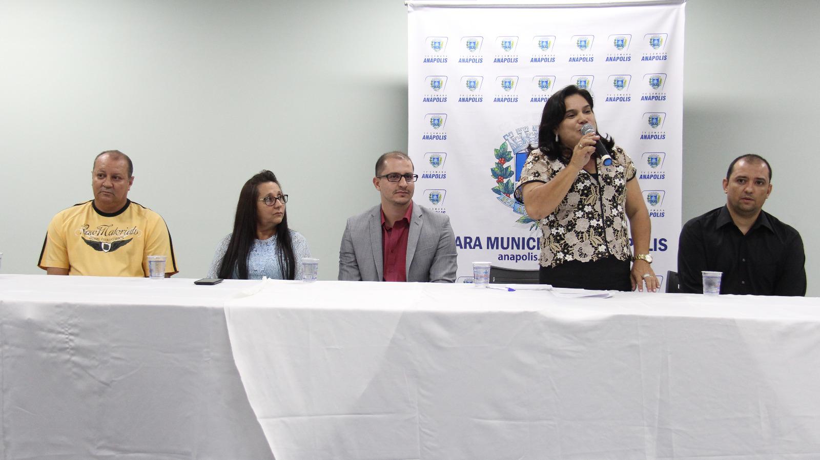Câmara outorga título de cidadania a Arley Rodrigues, iniciativa da professora Geli Sanches