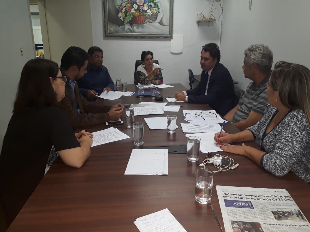 Comissão avalia projetos para Escola do Legislativo