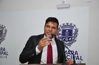 Domingos Paula anuncia que prefeitura fez convênio para 2 mil cirurgias eletivas
