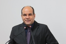Domingos Paula diz que revisão do contrato com Saneago será debatido na Câmara Municipal