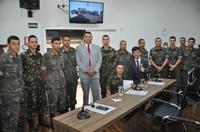 Instrutor chefe do Tiro de Guerra, Subtenente Cláudio Nascimento, recebe Moção de Aplauso