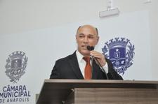 Jakson Charles lamenta crise nas Santas Casas e critica política de saúde do Governo Federal