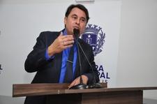Jean Carlos comemora arena esportiva no Aldeia dos Sonhos e pede escola para o bairro