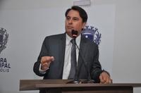 Jean Carlos conclama vereadores a irem até o governador, cobrar assinatura de convênio com a Santa Casa