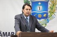 Jean Carlos pede adequação de projeto para preservar comerciantes