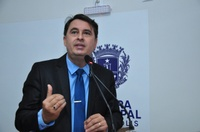 Jean Carlos pede apoio a indicação que solicita isenção tributária a imóveis afetados por enchentes