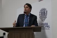 Jean Carlos pede aumento do prazo para regularização de imóveis em Anápolis