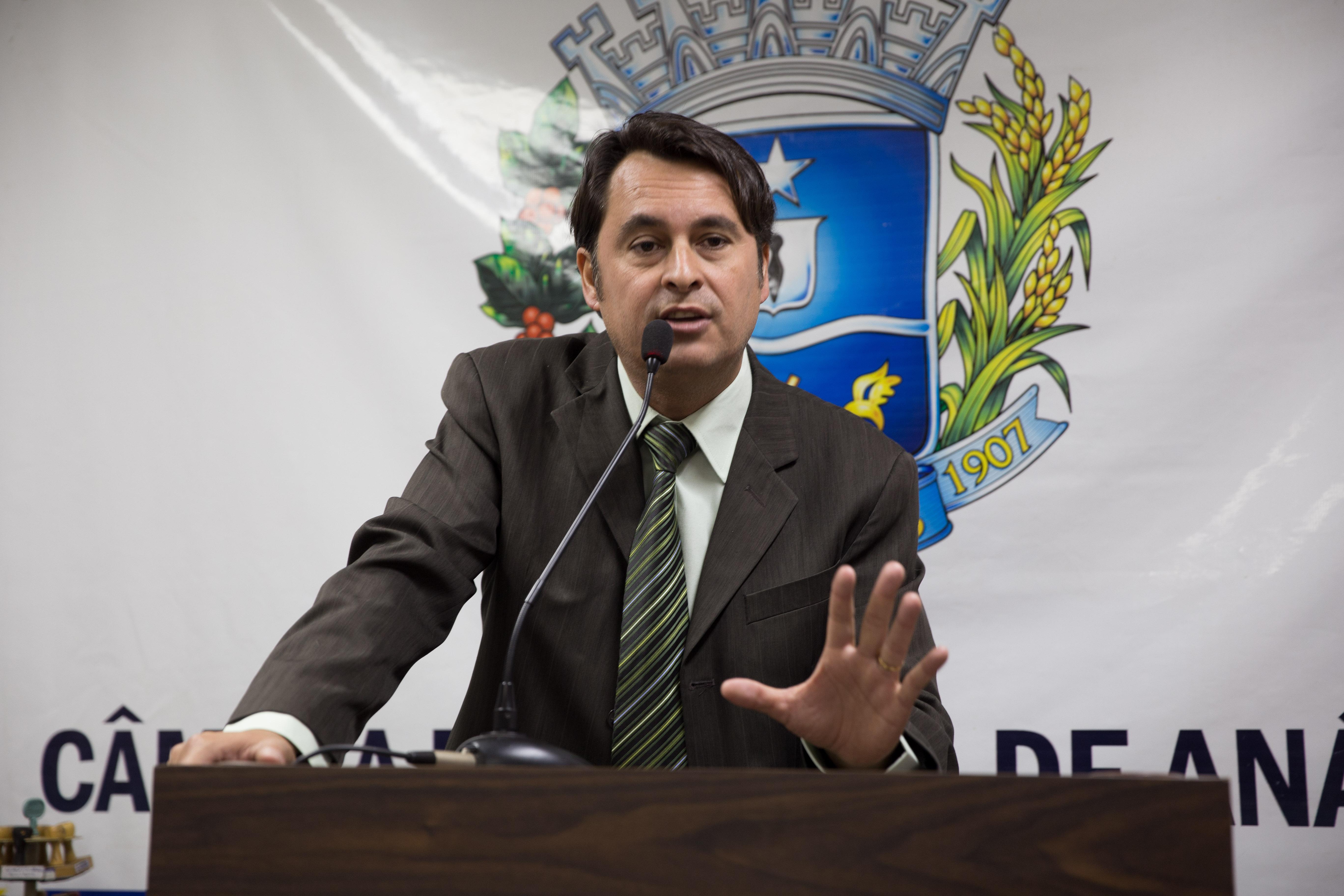 Jean Carlos reafirma luta por reajustes no serviço público de roçagem de lotes