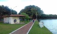 Jean Carlos visita Parque JK e diz que limpeza atraiu novamente população para o local
