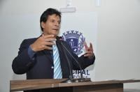 João da Luz diz que é a favor do piso dos professores, mas frisa equilíbrio financeiro do município