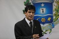 João da Luz faz Moção de Aplauso para diretora de colégio