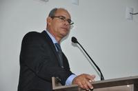 João Feitosa defende projeto que busca reduzir transtornos do excesso de fios em postes