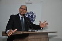 João Feitosa repercute resposta do Procon sobre cobrança de mensalidade de vans escolares