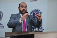 José Fernandes repercute possível transferência de curso de medicina para Anápolis