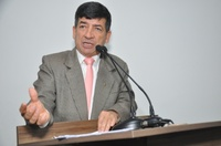 Lélio Alvarenga diz que Agetop está licitando pavimentação de via que dá acesso ao novo presídio