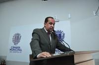 Luzimar faz homenagem a narrador Cleiber Júnior e parabeniza nova Presidente de Bairro do Calixtópolis