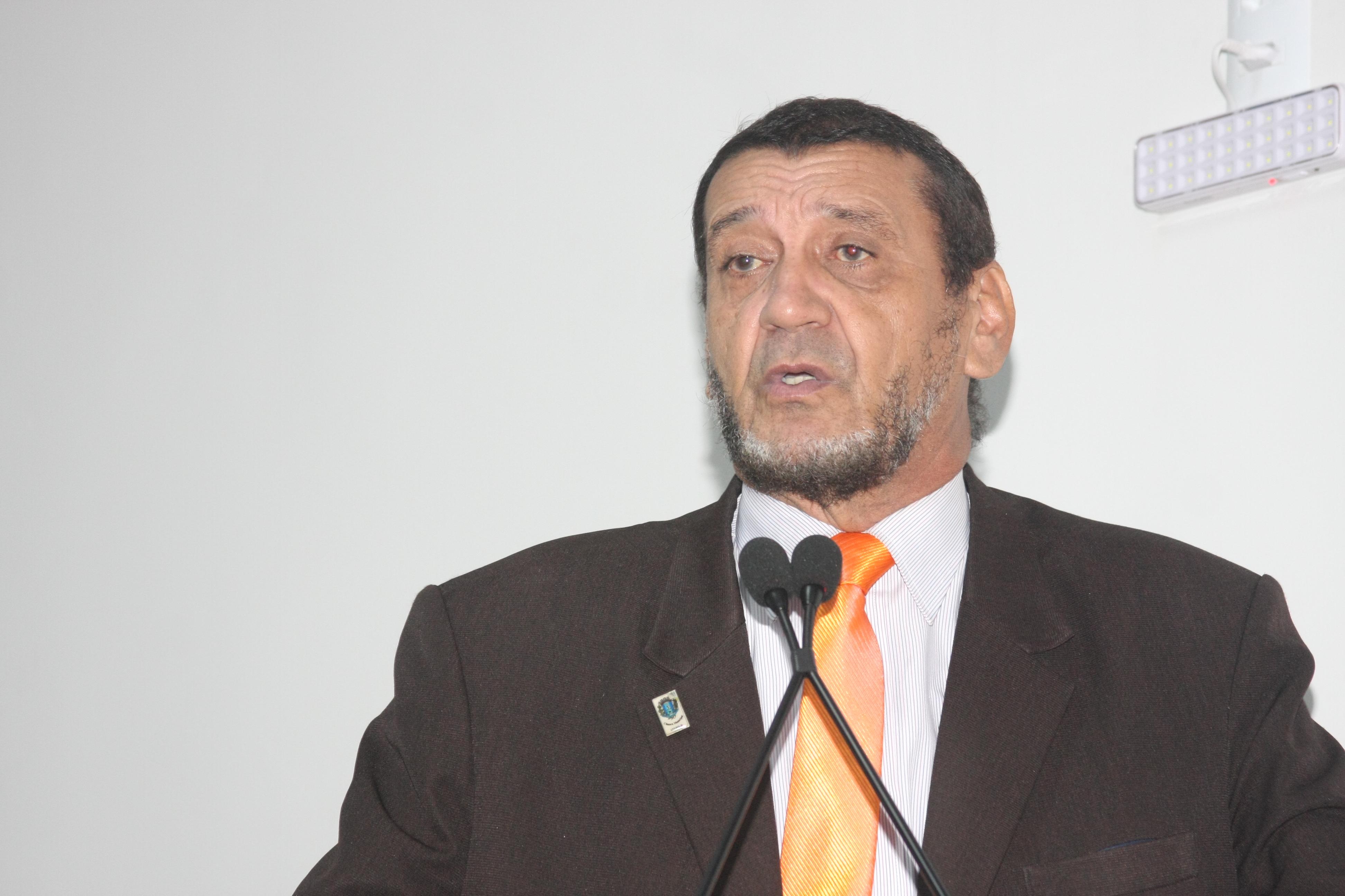 Mauro Severiano defende projeto de lei que propõe novos critérios para matrículas em Cmeis