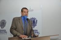 Mauro Severiano alerta quanto ao perigo das fake news e critica emissora de televisão