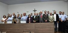 Oficiais da Ala 2, antiga Base Aérea, recebem título de cidadania anapolina em sessão solene