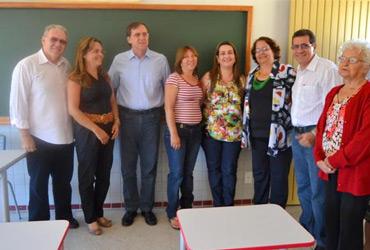 Parlamentares representam Câmara na entrega de obras em escola no Santos Dumont