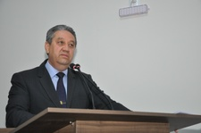 Pastor Elias apresenta Moção de Aplauso ao Bispo Primaz Manoel Ferreira pelos 54 anos de pastoreio