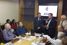Pastor Elias confere Moção de Aplauso à ACIA pelos 83 anos de fundação da entidade