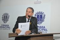 Pastor Elias apresenta indicação ao prefeito, propondo novo espaço para o Mercado do Produtor