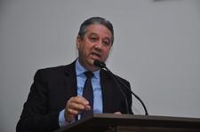 Pastor Elias pede que Gerência de Posturas fiscalize uso de contêiners na cidade