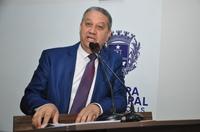 Pastor Elias pede regulamentação de lei em Anápolis que ordena fios e cabos em postes da cidade