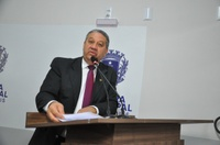 Pastor Elias traz resposta do TJ para retirada de veículos apreendidos da porta de delegacias