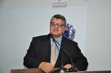 Pedro Mariano ressalta homenagem dada pela Assembleia ao servidor Antônio Fernandes