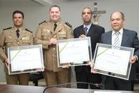 Policiais Militares e delegado recebem Títulos de Cidadãos Anapolinos