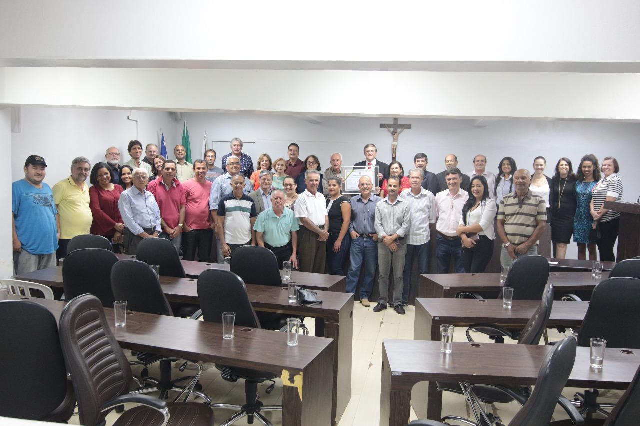 Por iniciativa de Antonio Gomide, Câmara concede cidadania anapolina a Paulo Chôco