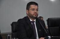 """Presidente Leandro cobra renovação de convênio com a Santa Casa: """"população não pode pagar pela omissão do Estado"""""""