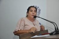 Professora Geli chama a atenção para fim do turno vespertino do Ceja Professor Elias Chadud