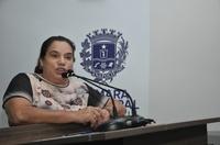 Professora Geli diz que fica comovida com escolas vazias devido à pandemia do coronavírus