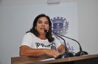 Professora Geli fala faz uma análise sobre a falta de segurança nas escolas da cidade