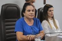 Professora Geli frisa bravura de professora mineira que resgatou crianças de ataque