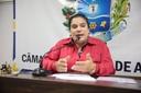 Professora Geli Sanches defende direitos de professores grevistas