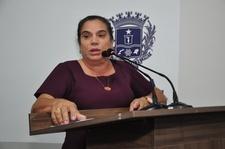 Professora Geli Sanches demonstra preocupação em relação à saúde financeira do Issa