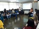 Professora Geli Sanches palestra sobre BNCC em escolas municipais